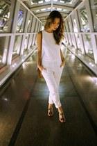 white Zara jumper