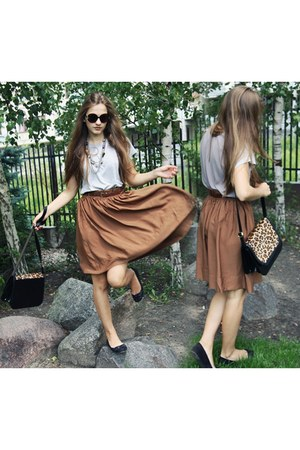 black Zara bag - heather gray Romwecom t-shirt - brown H&M skirt