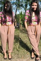 beige httpwwwfacebookcomalbumphpaid14189&id100001553753000 pants - black httpwww
