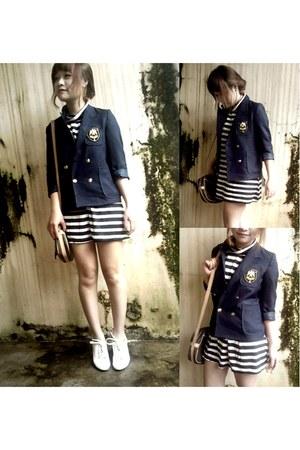 navy Blazer blazer - black Skirt skirt - white heels heels