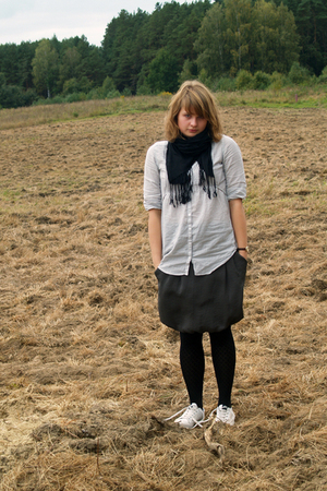 H&amp;M shirt - H&amp;M scarf - reserved skirt - tights - nike shoes