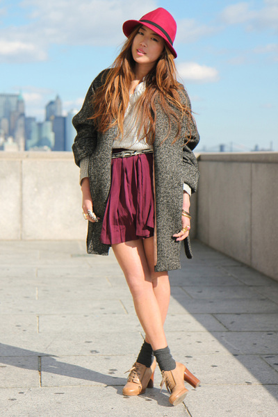 red wool fedora hat - beige Chloe oxfords shoes - gray H&amp;M coat