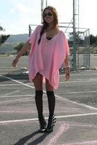 pink top - black buckled boots boots