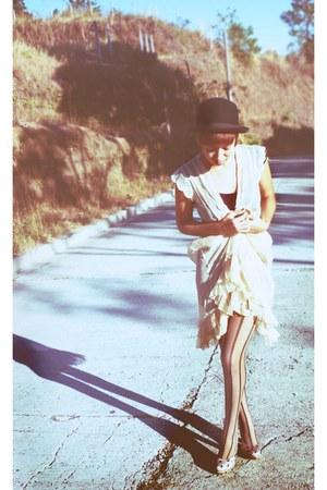 f21 hat - BSK shirt - Marc Jacobs dress - Zara tights - BSK heels