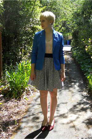 crimson thrift shoes - blue shrunken fit thrift blazer - black thrift skirt - pe