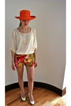 carrot orange straw hat vintage hat - red floral print J Crew shorts - cream cor