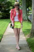 d6ea22e4bce20 chartreuse neon Gap shorts - nude straw fedora Urban Outfitters hat