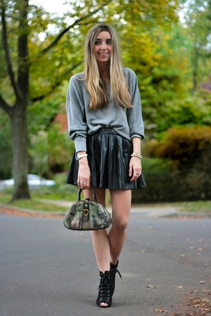 black pleated skirt Tobi skirt - black lace up Payless boots
