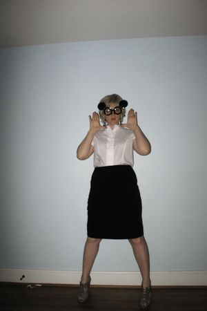 black apostrophe skirt - white shirt - black 80s purple sunglasses - silver JC P