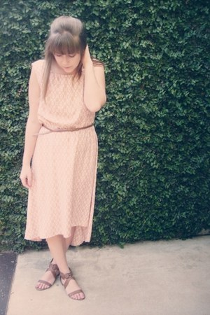 peach alice moon dress - dark brown xhiliration sandals