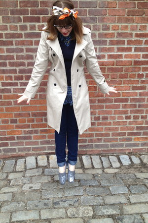 navy H&M jeans - silver TOMS shoes - beige banana republic jacket