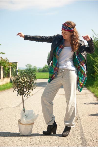 green shirt - white c&a top - gray H&M pants - red - black DinSko boots - black