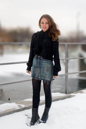 black H&amp;M blouse - blue River Island skirt - black Urban Outfitters leggings - b