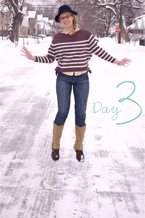 Urban Outfitters jeans - Urban Outfitters sweater - penguin blouse - spats vinta