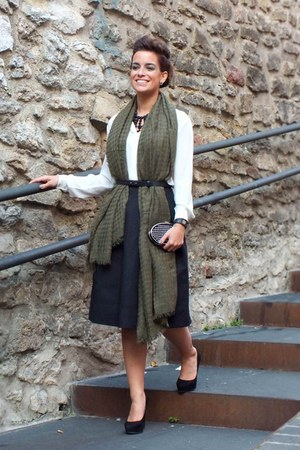 army green Stradivarius scarf - black H&M skirt - white Mango blouse