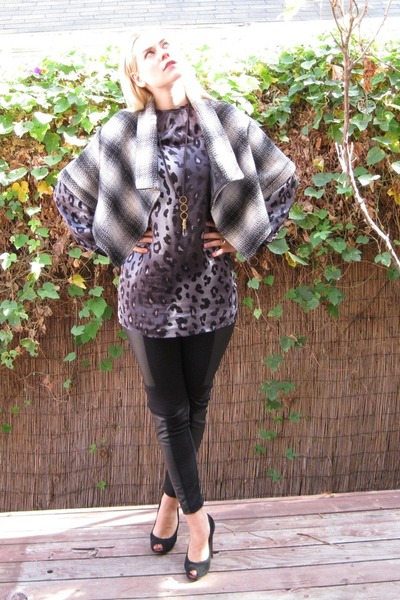 black pleather FCUK leggings - gray silk leopard Zara dress