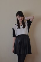 black warehouse skirt - white River Island t-shirt