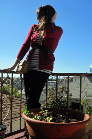 red banana republic cardigan - white H&M t-shirt - black Silence & Noise legging