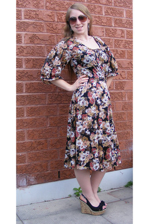 brown vintage dress - black wedges