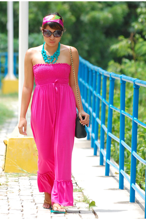 dress - necklace - - - havainas