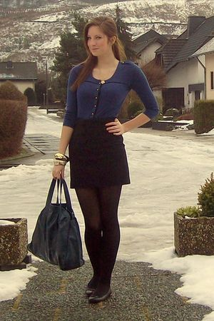 blue Mexx top - black H&M skirt