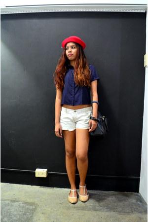 red felt DV hat - off white denim hollister shorts