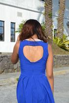 blue landmark dress - white collar necklace landmark necklace
