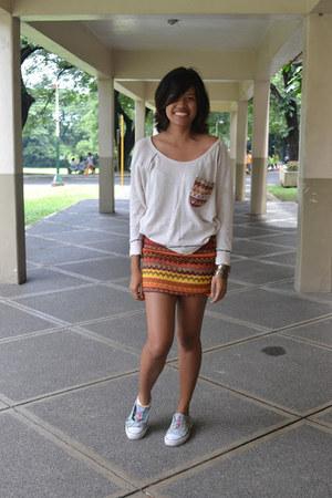 aztec DV skirt - aztec pre-loved top