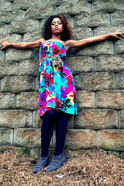 Chaus dress