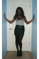 black faux leather Forever 21 skirt - black heart tights Forever 21