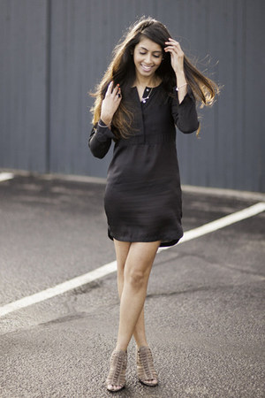 black H&M dress - tan Vince Camuto heels