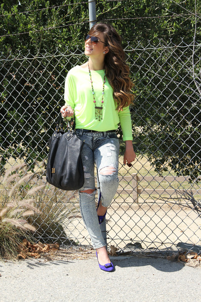 Nasty Gal top - Guess jeans - Marc by Marc Jacobs bag - Nine West pumps