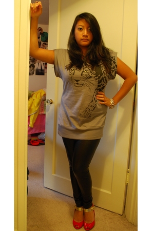 Forever21 top - Forever21 tights - Steve Madden shoes - J Crew bracelet