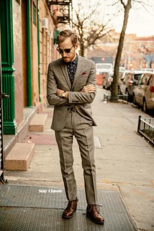 Bar III suit