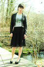 Black-cropped-h-m-blazer-silver-pleated-silence-noise-skirt