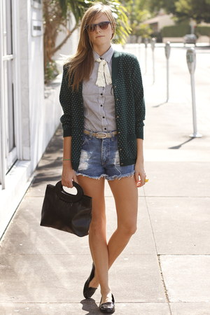 violet vintage shorts - blue Forever 21 blouse - dark green Tea and Tulips cardi