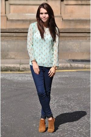 Carvela boots - Topshop jeans - Zara top