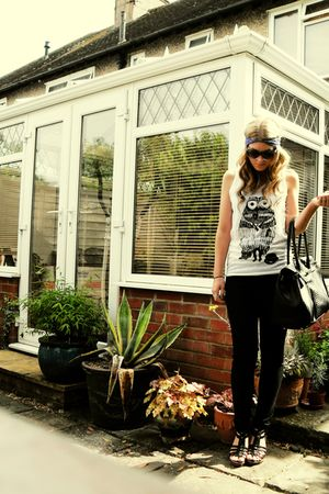 black new look jeans - white Blacksmith London vest - black purse - black shoes