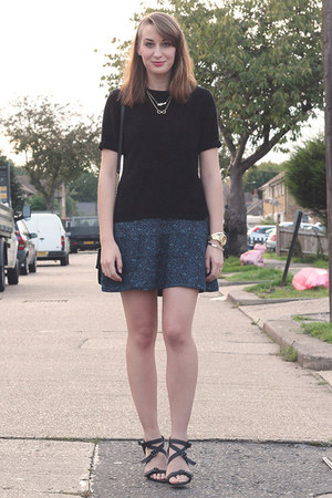 black vintage top - teal H&M skirt - black Nelly heels