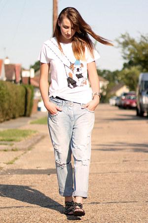 blue boyfriend jeans Zara jeans - white brat  suzie Brat & Suzie top