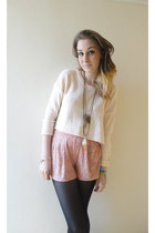 light pink Very shorts - peach cropped H&M jumper