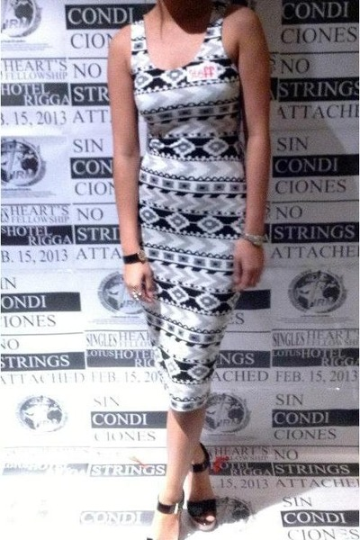 ivory aztec dress - black Payless wedges