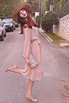 camel H&M hat - neutral dress - eggshell floral purse - eggshell heels