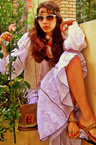 tan sandals - brown thrifted bag - cream crochet Zara vest