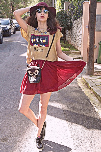 camel beatles romwe t-shirt - black creepers OASAP shoes - brick red H&M hat