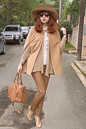 camel romwe cape - camel H&M hat - bronze bag - eggshell heels