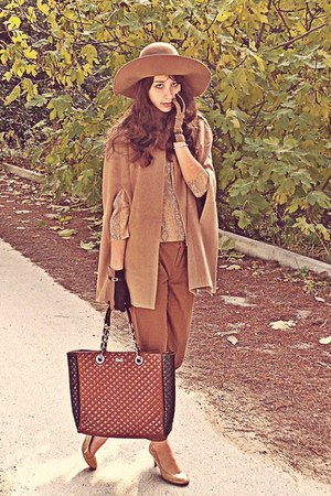 camel H&M hat - burnt orange D&G bag - camel romwe cape