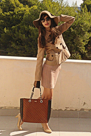 camel Stradivarius jacket - nude Dorothy Perkins dress - camel H&amp;M hat