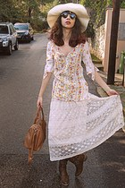 ivory lace Chicwish skirt - dark brown cowboy boots - ivory hat - bronze bag