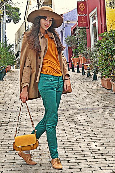 camel romwe cape - camel H&M hat - mustard lulus bag - turquoise blue Zara pants